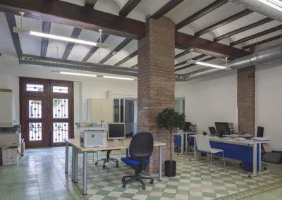 Reforma de alquería para instalación de oficina